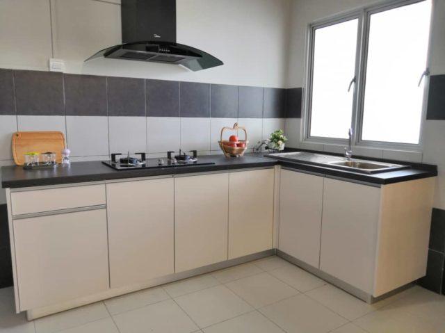 Show Unit Kitchen Cabinet