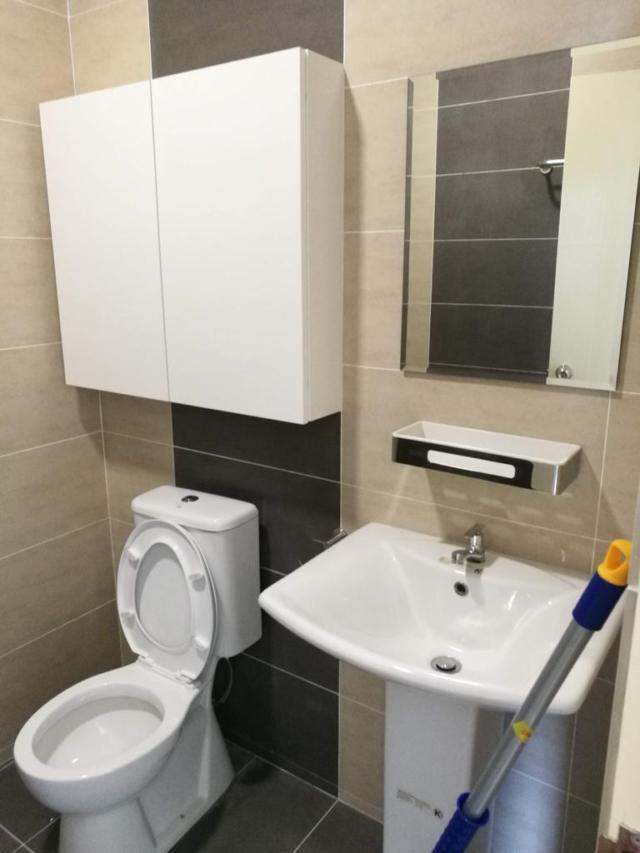 Master toilet