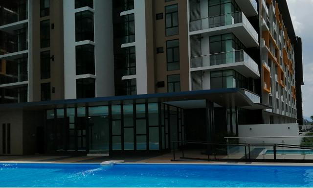 HK Square Swimming